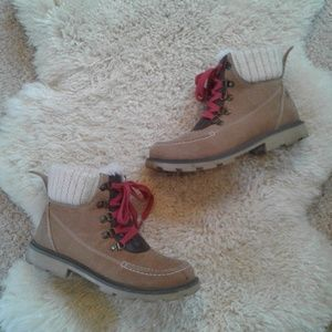 Tan Roxy Suede Boots 7